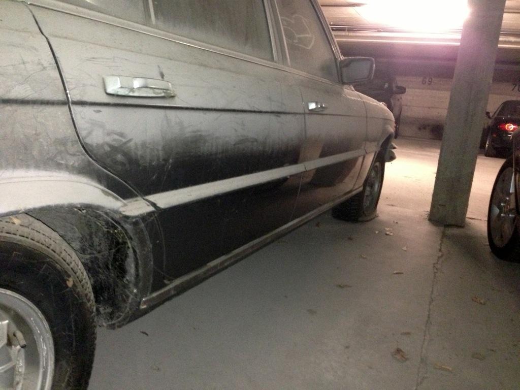 Mercedes Benz 450 SEL 6.9 (W116)